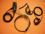 TELECOM X-18VX - El Telecom X-18VX es un laringofono con dos PTT y un auricular ergon�mico con cable rizado para Yaesu VX-110, FT-60, VX-246, VX-146,...
