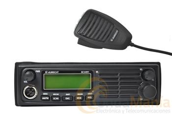 ALBRECHT AE-6490 CB AM/FM A 12 V. - Emisora de 27 Mhz. a 12 Vcon altavoz frontal, gran display con indicación de frecuencia y canal, incluye soporte ISO para una rápidasujección en huecos tamaño auto-radio, AM/FM, micrófono con UP/DOWN,...