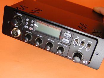 SOPORTE DIM PARA TTI TCB-880 Y ALAN 48 - Soporte DIN para instalar la emisora TTI TCB-880, Alan 48,... en un hueco de auto-radio, radio CD,...