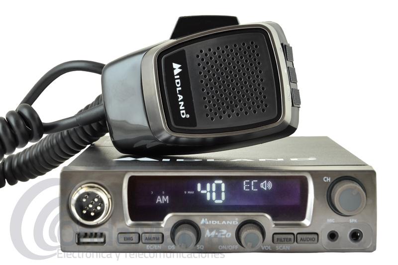 MIDLAND M-20 EMISORA DE BANDA CIUDADANA CON USB Y TOMA FRONTAL PARA PINGANILLOS - Midland nos presenta un gran y revolucionario equipo de banda ciudadana: el Midland M20, este equipo aparte de disponer de 40 canales en AM y FM nos ofrece un conector frontal USB para cargar teléfonos, tablets, cámaras,..., también nos ofrece un conector frontal de doble pin para conectar pinganilos con cable o pinganillos Bluetooth.