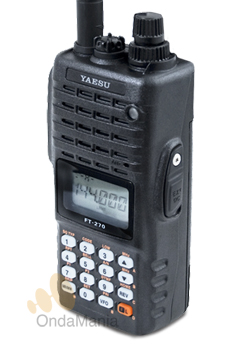 YAESU FT-270 WALKY DE VHF - El Yaesu FT-270E es un equipo portátil de VHF diseñado con la experiencia de modelos anteriores que han marcado y están marcando una época entre otras características tiene 5 W, es sumergible,....