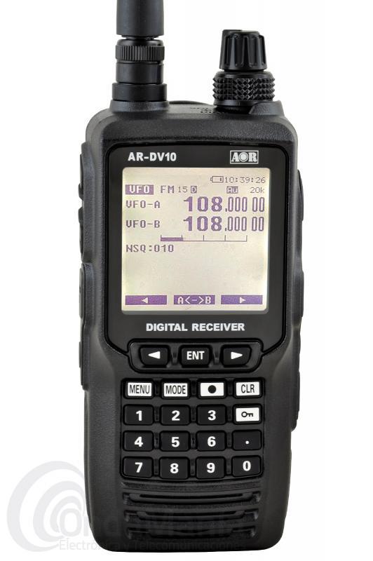 AOR AR-DV10 SDR RECEPTOR DIGITAL/ANALOGICO PORTATIL DE BANDA ANCHA 100 KHZ A 1300 MHZ TODO MODO - El AOR AR-DV10 es un receptor analógico y digital SDR todo modo de banda ancha, con un rango de frecuencia de 100 kHZ a 1300 Mhz, incluye batería de litio con 2200 Mah, cargador clip de cinturón,...  Decodifica la mayoría de modos digitales como: MOTOTRBO ™ DMR ™, dPMR ™, APCO P25, NXDN ™, Icom D-Star ™, CR Digital, Yaesu, Kenwood® y Alinco EJ-47U y las señales analógicas AM, FM ancha, FM estrecha, banda lateral superior e inferior LSB y USB, CW,...