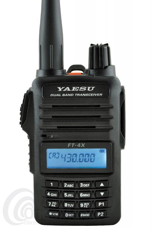 YAESU FT-4XE WALKI TALKI DOBLE BANDA VHF/UHF CON RADIO DE FM COMERCIAL+PINGANILLO DE REGALO - El Yaesu FT-4XE es un equipo portátil doble banda VHF/UHF con radio FM comercial, de reducido tamaño y avanzadas funciones con batería de litio, 5 W de potencia, 15 horas aprox. de autonomía, 200 canales de memoria, cargador rápido inteligente, 1 W de potencia de audio, DTMF, CTCSS, DCS,.....