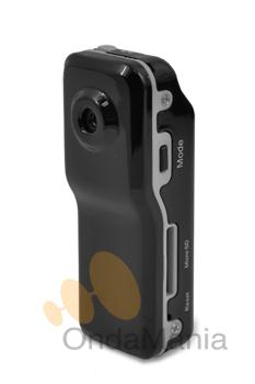 ALBRECHT MINI CAMARA DV100 - La Mini DV100 es una videocámara digital de alta calidad muy ligera y pequeñafácil de usar con control de sonido en un diseño elegante.