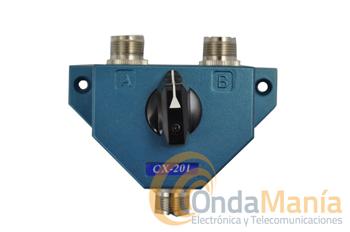 CONMUTADOR CX-201PL - El CX-201 es unconmutador coaxial con conectores PL, dispone de 1 entrada y dos salidas, con un rango de frecuencia de hasta 600 Mhz., con una potencia máxima de 1KW en CW y una impedancia de 50 Ohm.