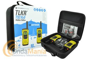 MOTOROLA T92 H2O MALETA CON DOS PMR SUMERGIBLES E IMPERMEABLES - Maleta compuesta por dos walkies PMR-446 de uso libre sumergibles IP67, flotan en el agua, con cargadores y baterías recargables, disponen de vibrador, linterna, roger-beep, toma de carga por micro-USB,...