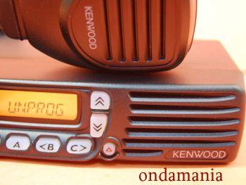 KENWOOD TK-8160GNE + MICROFONO KENWOOD KMC-30